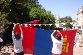 Duminică dimineaţă am arborat steagul Mongoliei