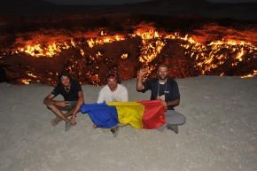 Nicu, Iulian, Molo şi craterul de la Derweze