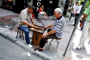 Turcii ospitalieri şi ţara lor lungă cât lumea