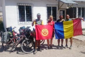 Kîrgîzstan, ținutul pe care pasionații de adrenalină, explorare și ciclism ar trebui să îl viziteze.