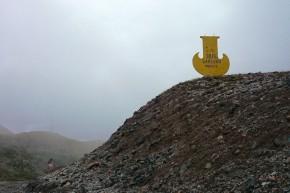 Cel mai înalt pas de pe A364 la care am ajuns. Muntele a început să ne avertizeze că ar fi bine să facem cale întoarsă și să ne continuăm drumul spre Naryn prin altă parte.